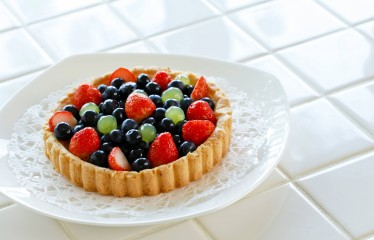 Easy Berry Flan